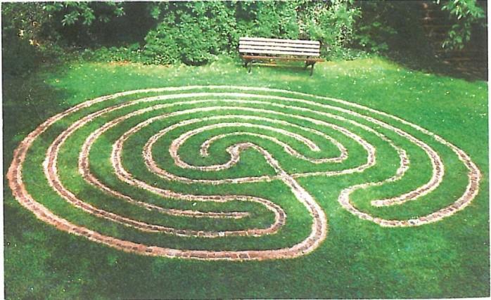 Labyrinth-in-Armstorf-1024x627